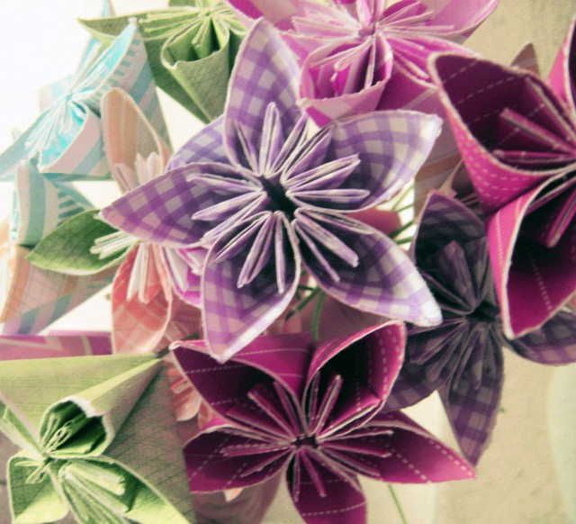 Wedding ideas make something mondays i used to love origami when i was little but i always disliked flowers they die so quickly so there is really no point in keeping them in my opinion mightylinksfo