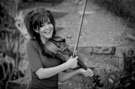 Lindsey-Stirling-violinist