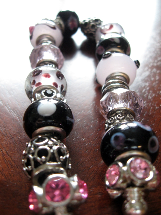 Diy glass bead bracelet make something mondays for How much does pandora jewelry pay