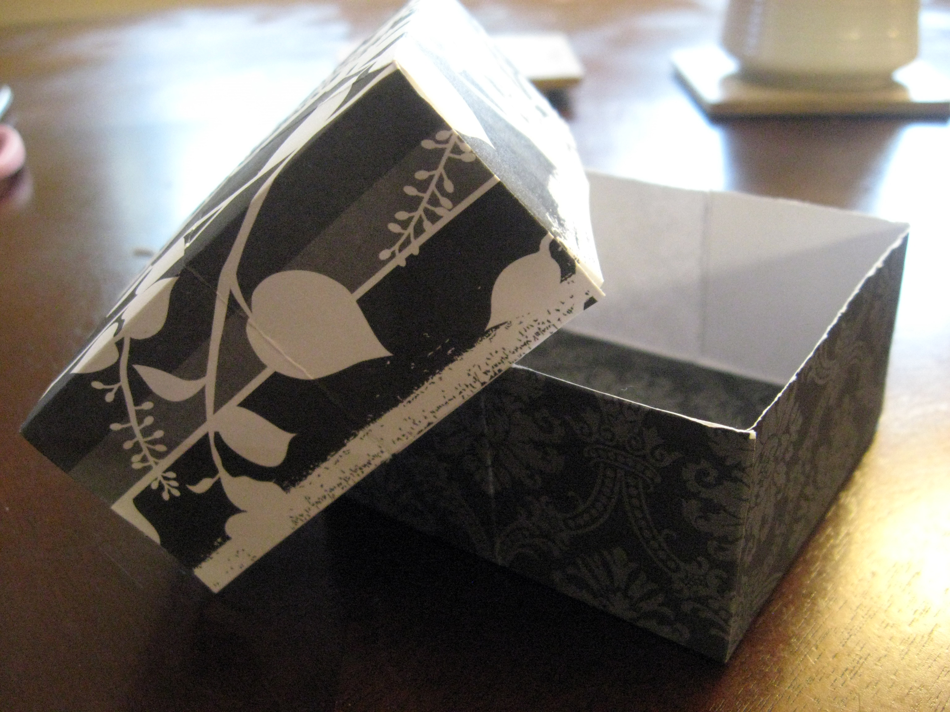 How to make scrapbook box - Diy Paper Gift Box