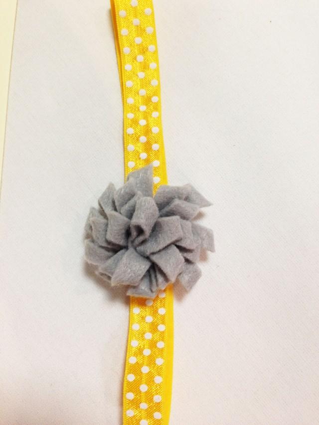 DIY baby pom pom headband
