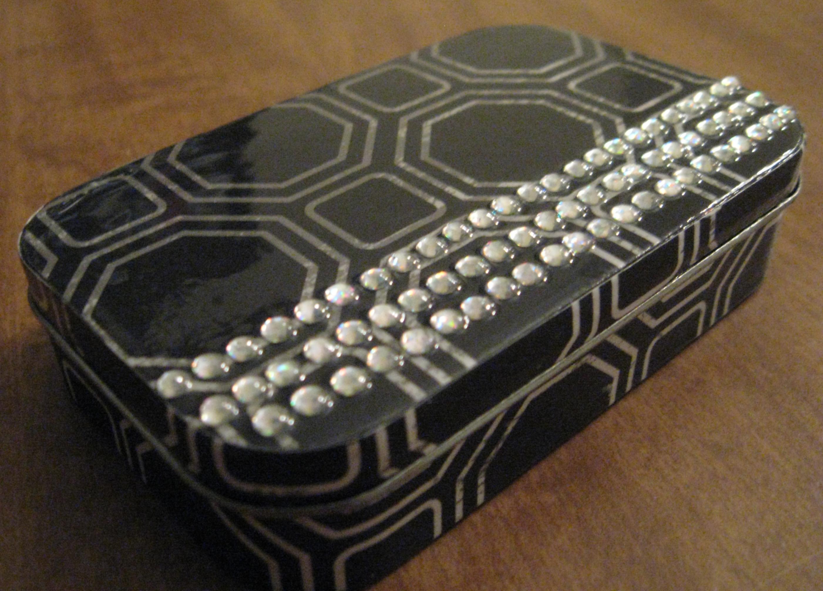 Diy Jewelry Box Part - 45: DIY Jewelry Box From A Tin