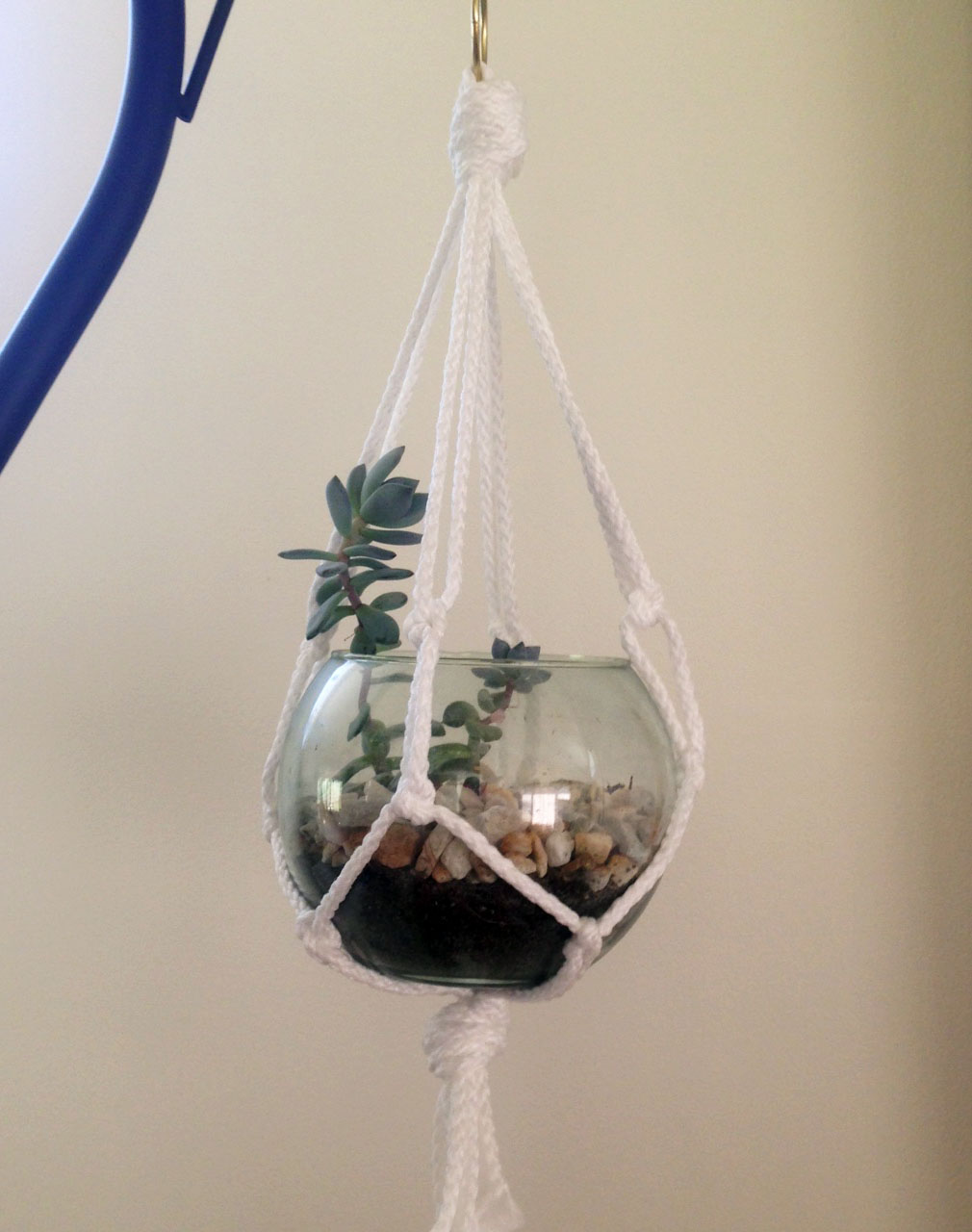Simple Diy Macrame Necklace: DIY Simple Macrame Plant Hanger
