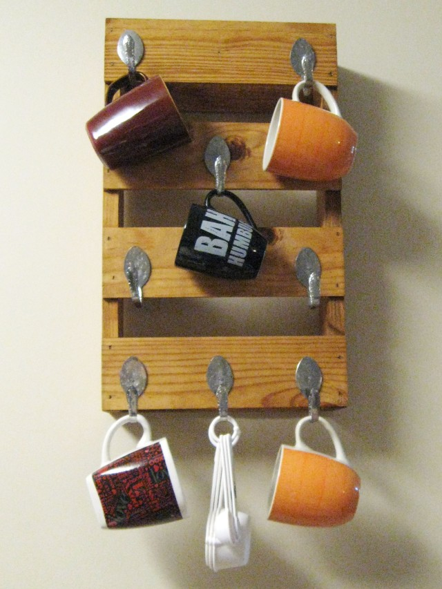 diy coffee-stained mug rack