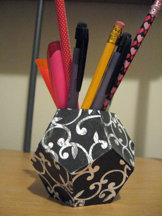 DIY geometric pen holder