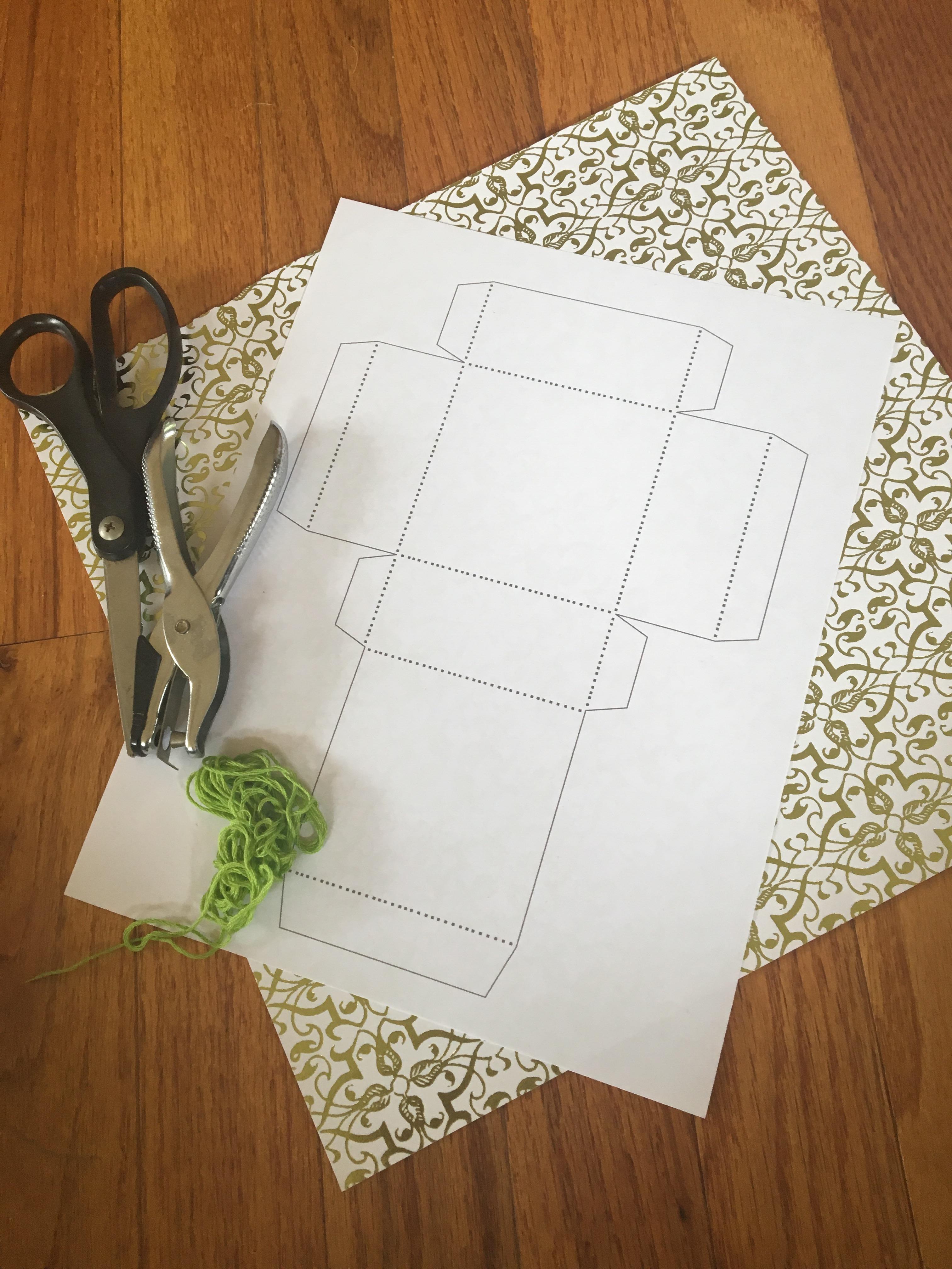diy scrapbook paper gift box make something mondays. Black Bedroom Furniture Sets. Home Design Ideas