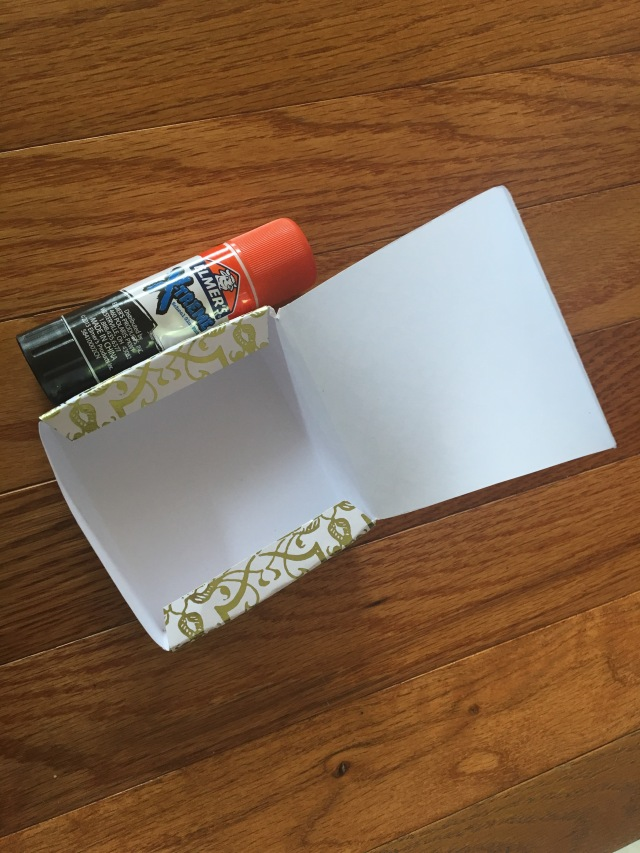 DIY gift box out of paper