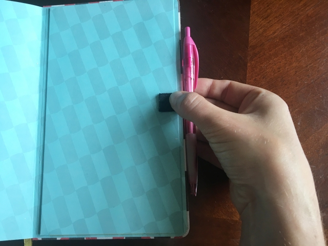 make a pen holder for notebooks